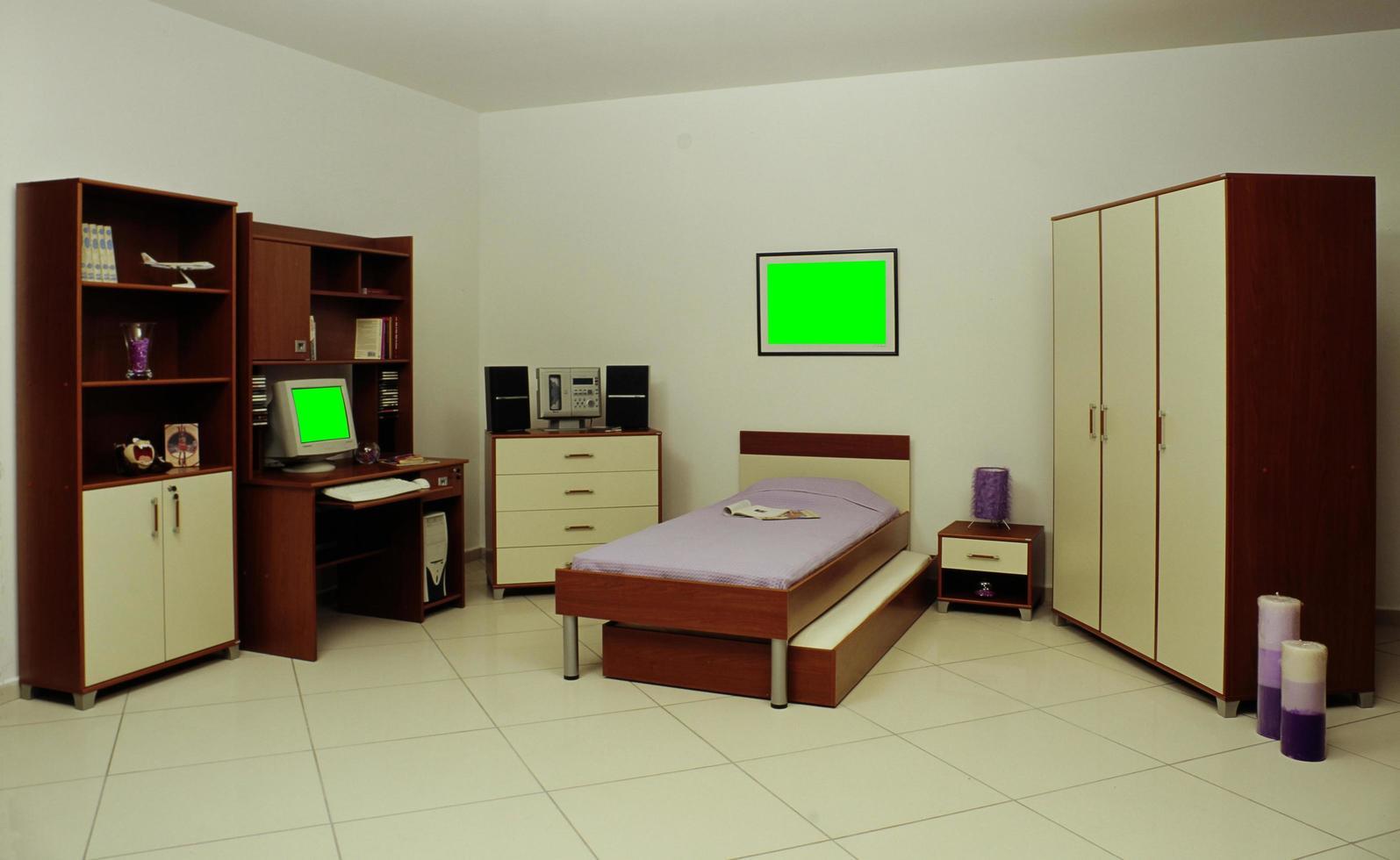 Schreibtisch, Bibliothek, Bett und Kleiderschrank fürs Kinderzimmer foto