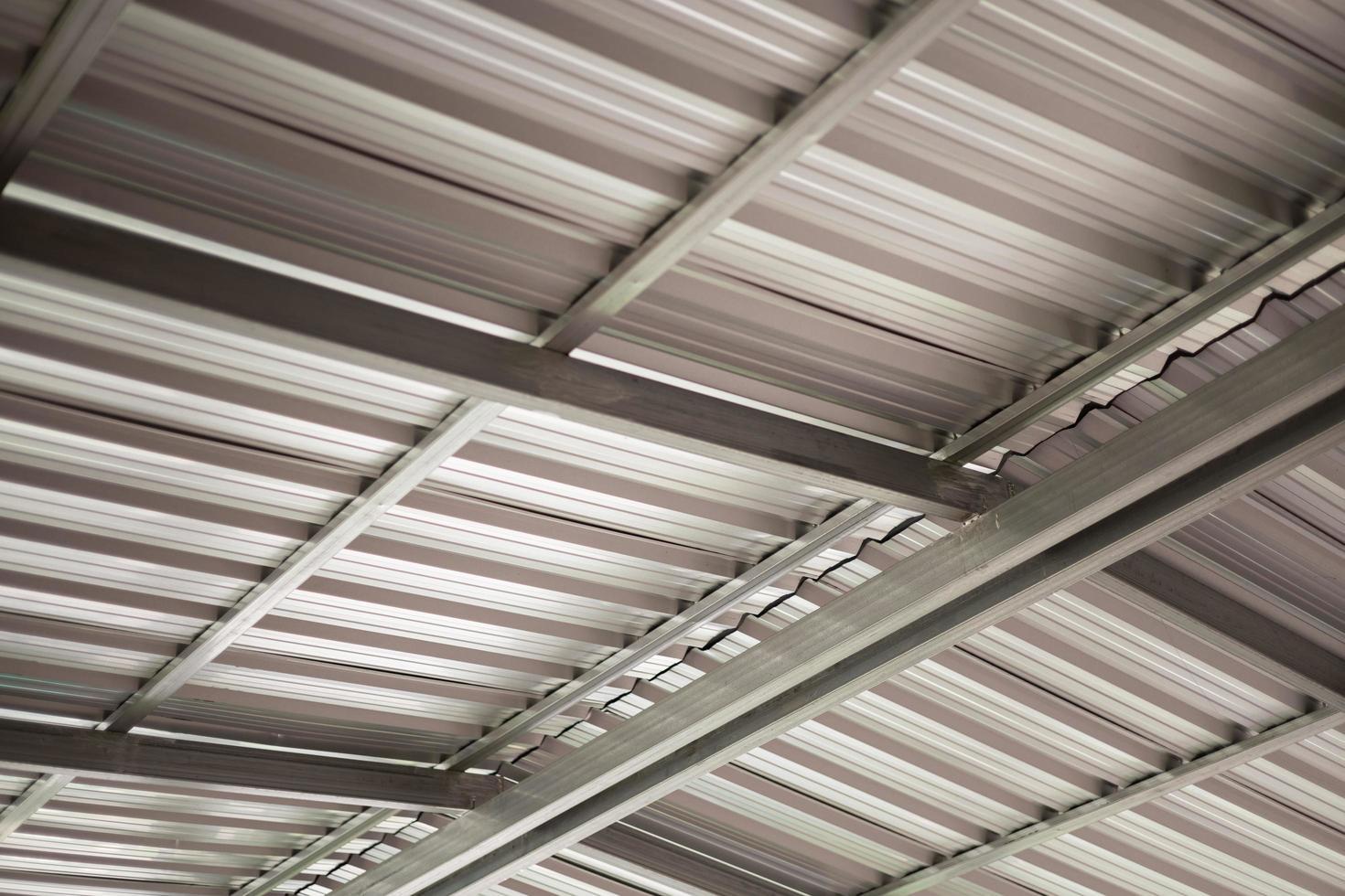 Dach aus Aluminiumblech Industriegebäude Dach foto