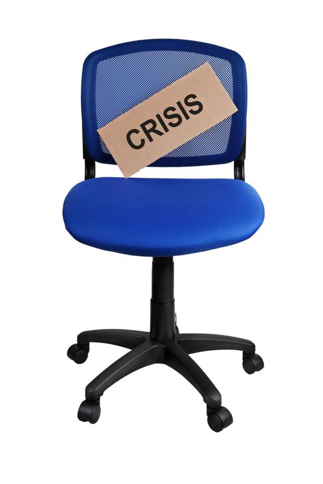 Wort Krise steht auf einem Teller foto