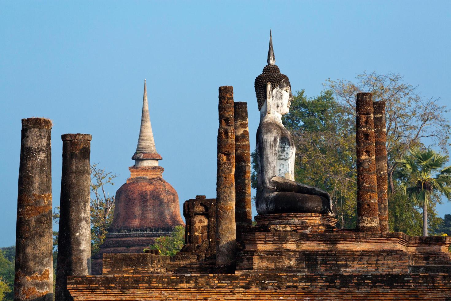 historischer park sukhothai, thailand, welterbestätte, unesco. foto