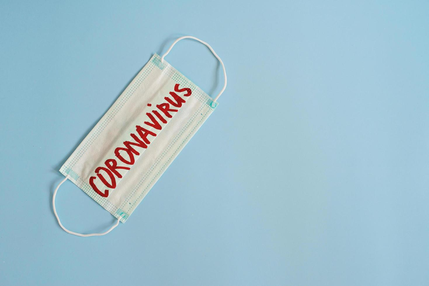 Coronavirus-Konzept auf blauem Hintergrund foto