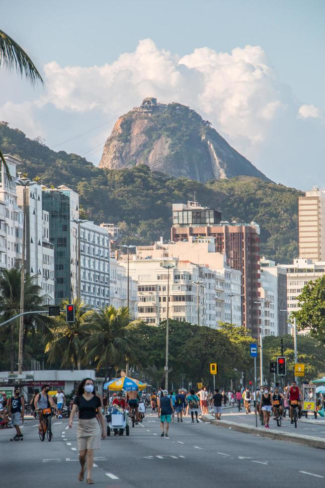 Rio de Janeiro, Brasilien, 2015 - Zuckerhut von der Copacabana aus gesehen foto
