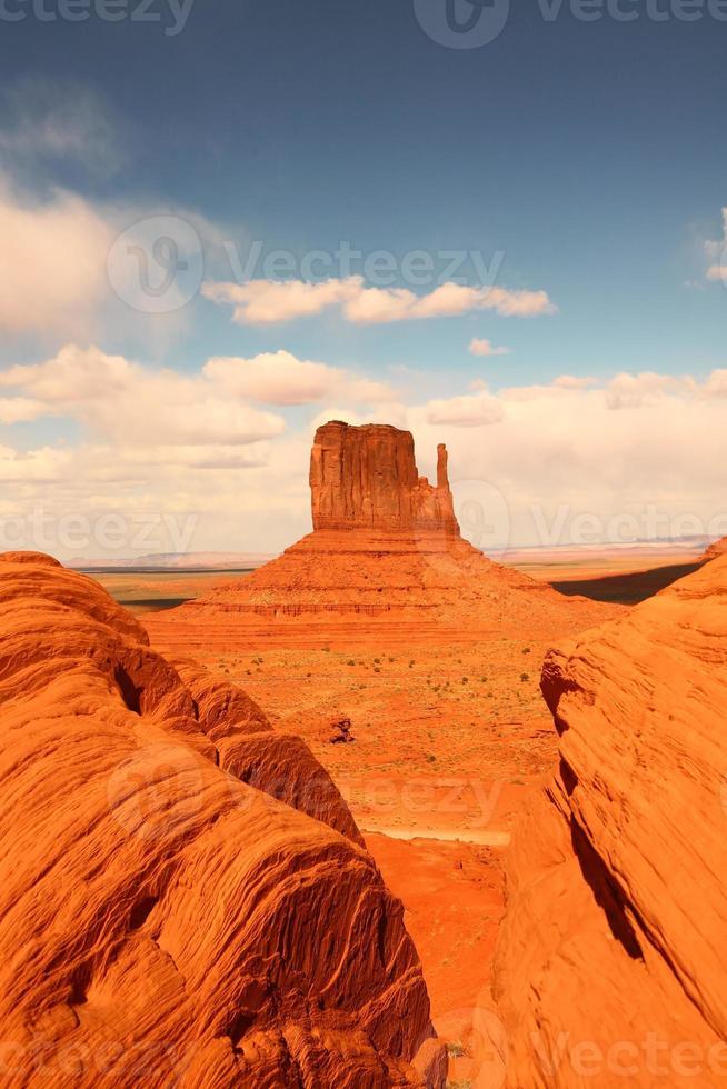 vertikale Ansicht des Monument Valley foto