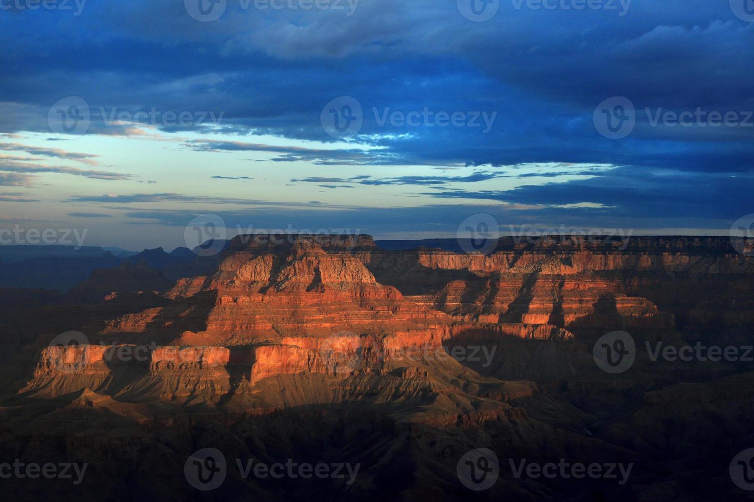 schöner sonnenaufgang am südrand des grand canyon arizona usa foto