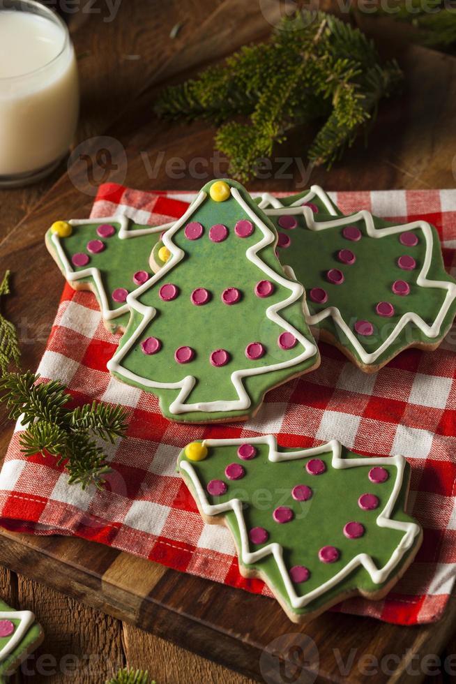 festliche hausgemachte Weihnachtsplätzchen foto
