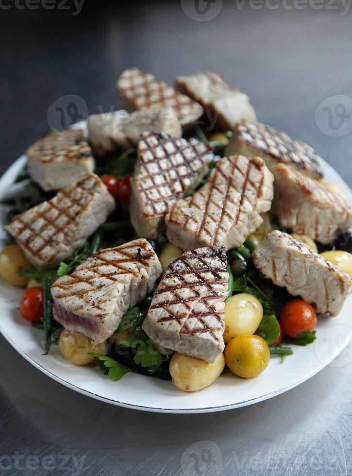 Gebratener Thunfischsalat foto