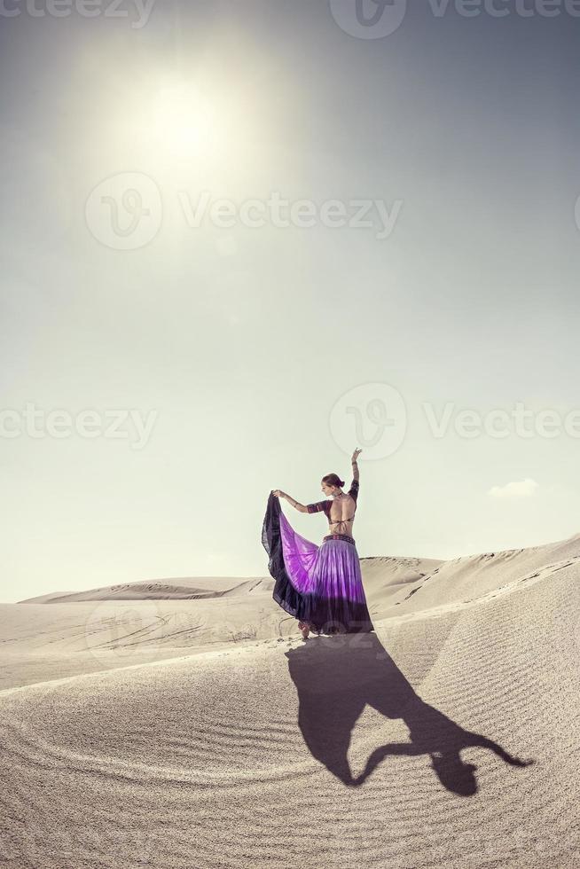 Tanz in der Wüste foto