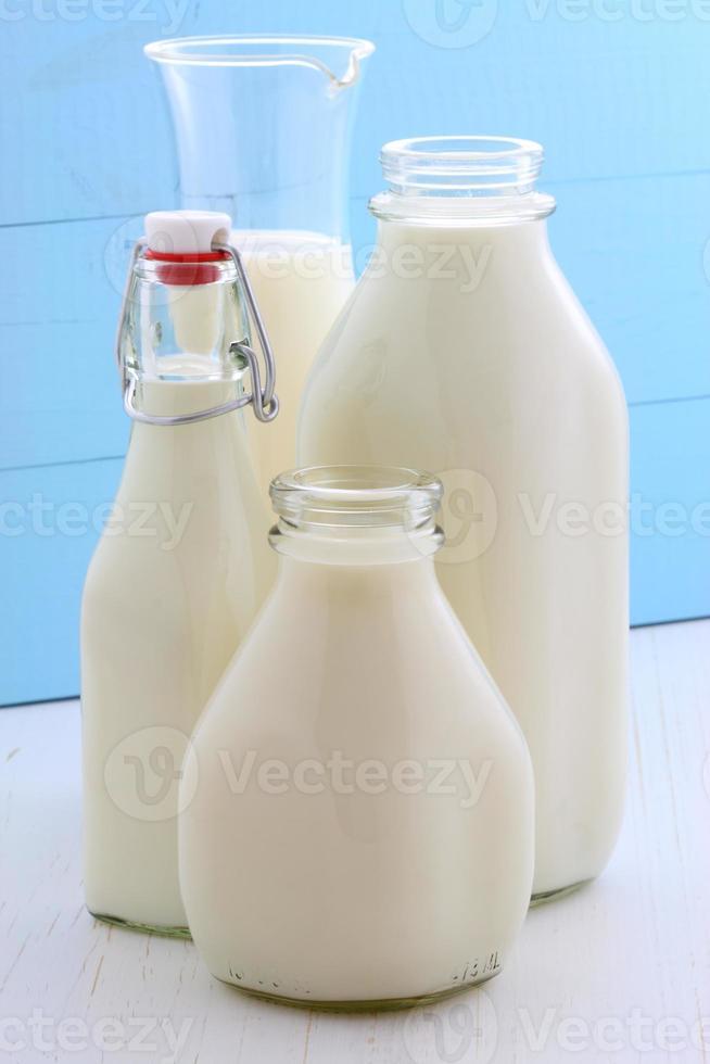 verschiedene und leckere Milch foto