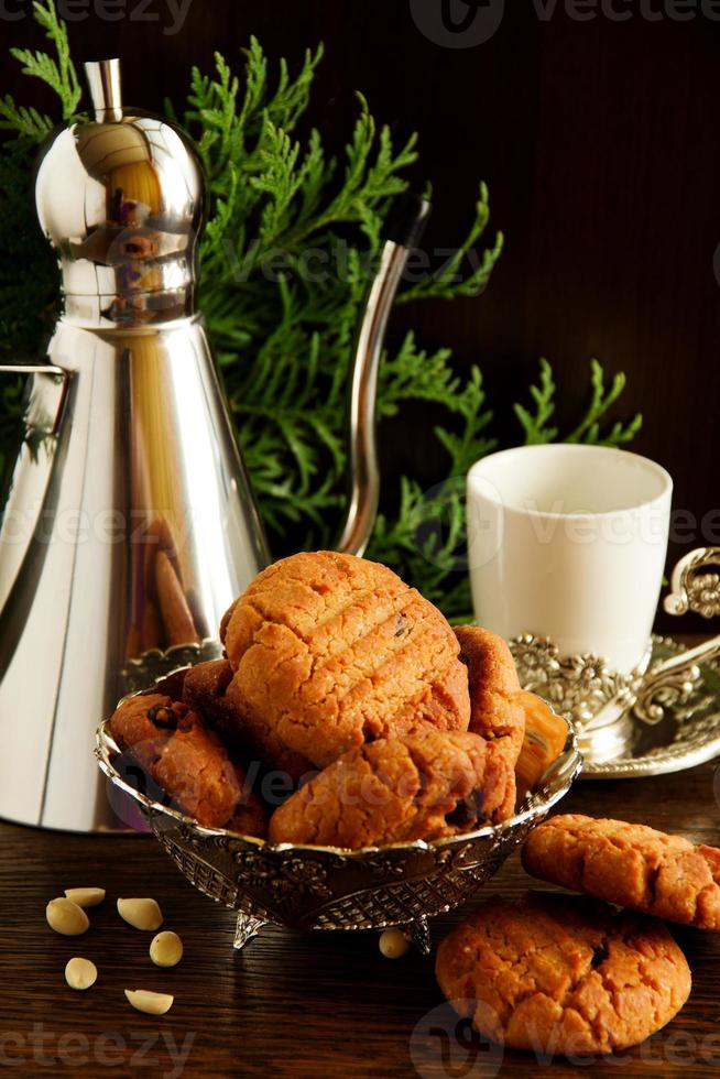 Kekse mit Erdnüssen und Schokolade. foto