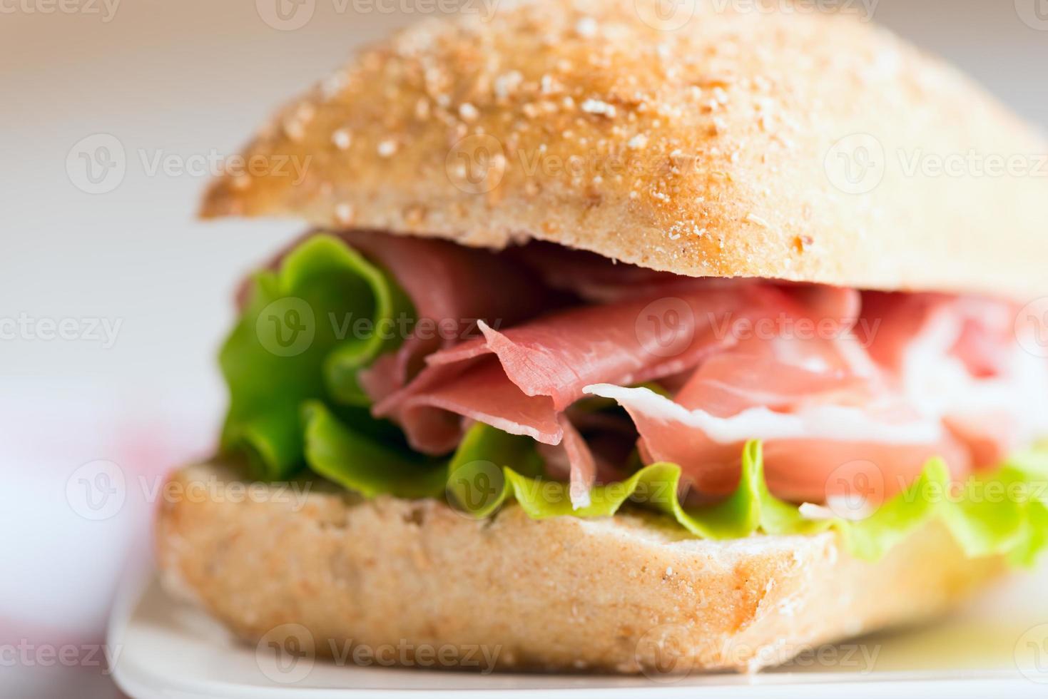 Schinken-Sandwich aus der Nähe foto