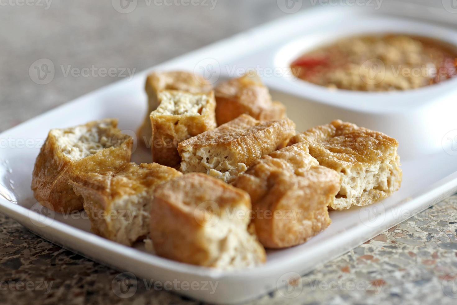 gebratener Tofu oder Bohnengallerte foto