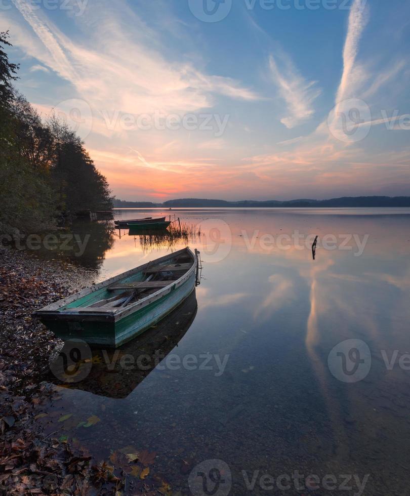 schöne See Sonnenaufgang Landschaft foto