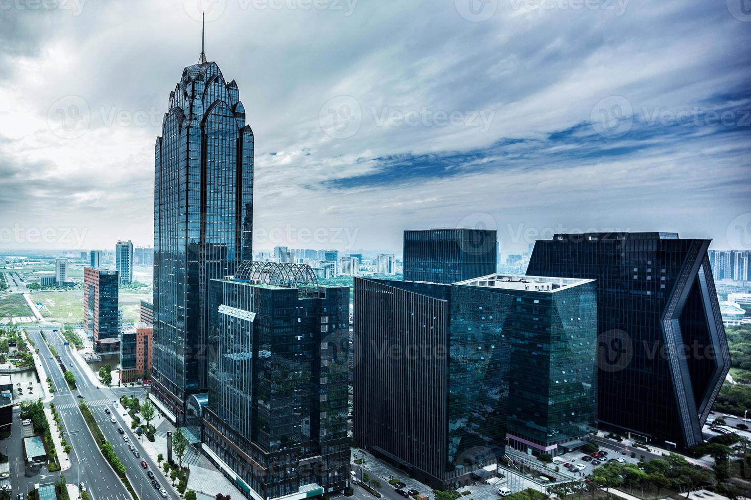Skyline und modernes Gebäude foto
