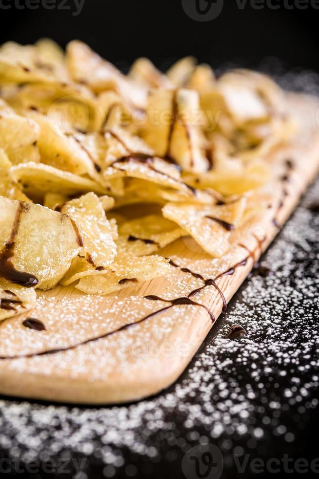 Bananenchip-Snack / Bananenchip foto