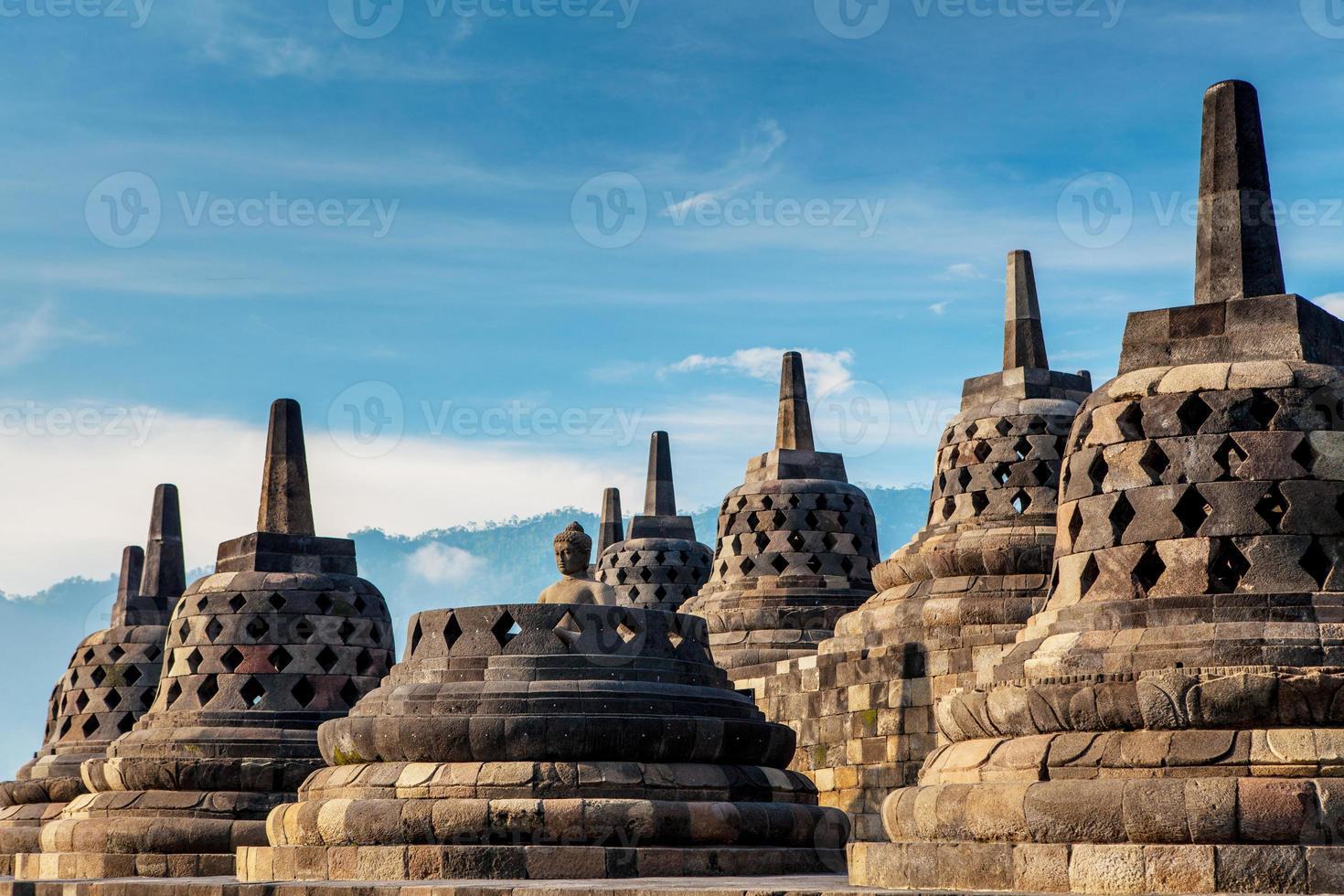 Borobudur Tempel. Blauer Himmel Yogyakarta, Java, foto