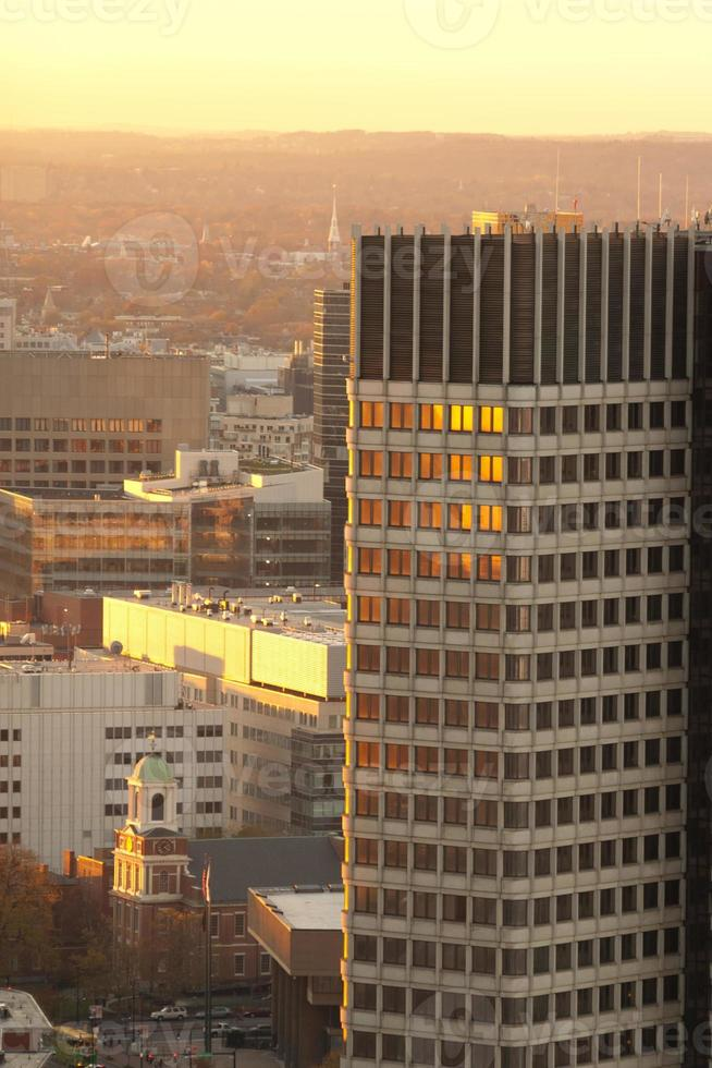 Wolkenkratzer in Boston bei Sonnenuntergang foto
