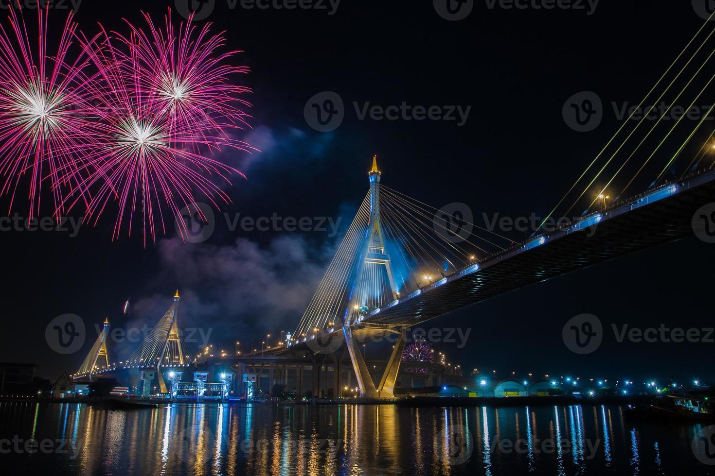 Feuerwerk lang lebe der König Bkk Thailand foto