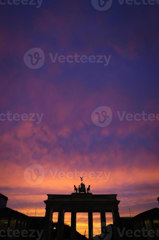 brandenburger tor im pariser platz, berlin foto