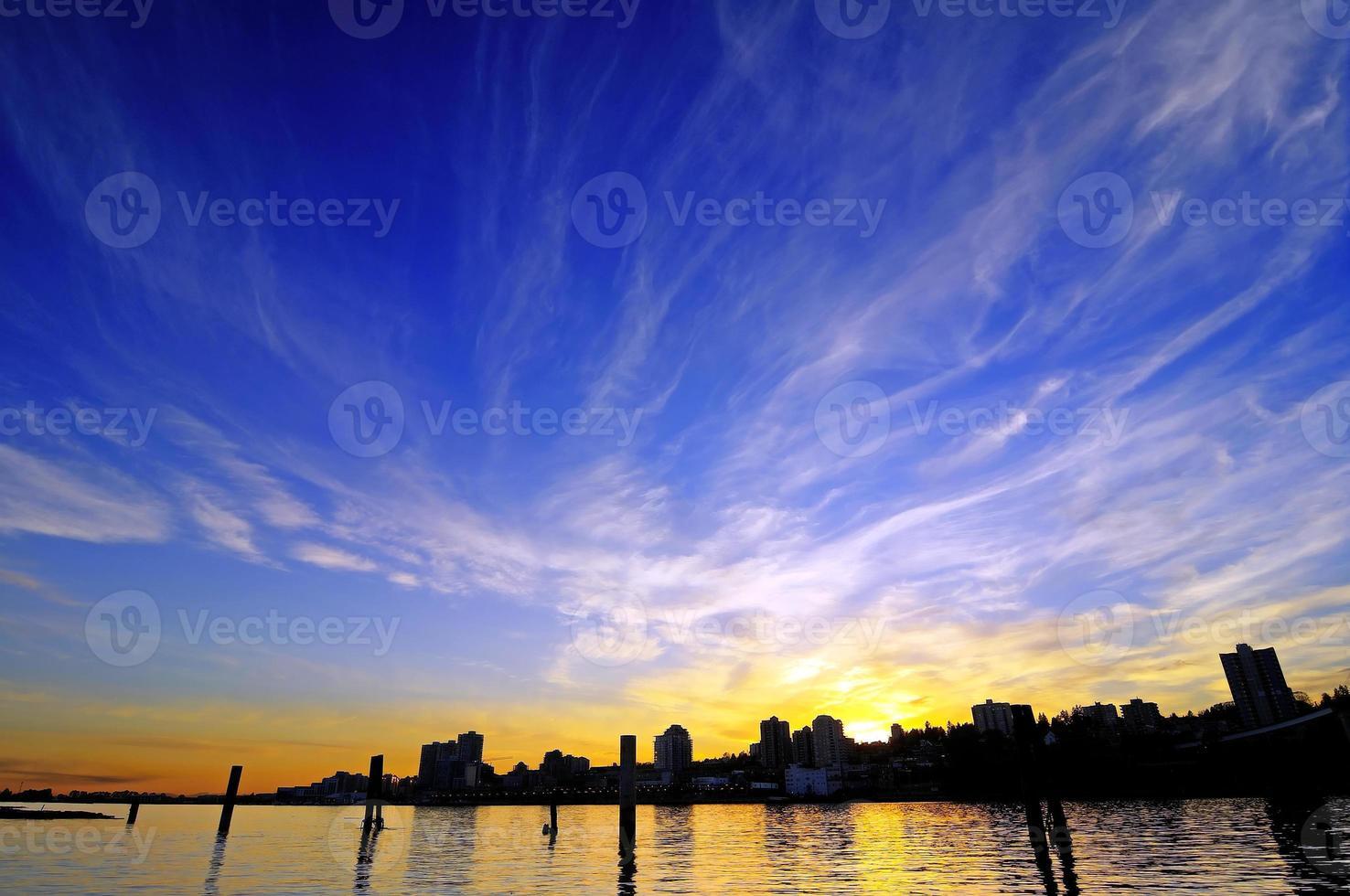 das Leuchten des Sonnenuntergangs foto