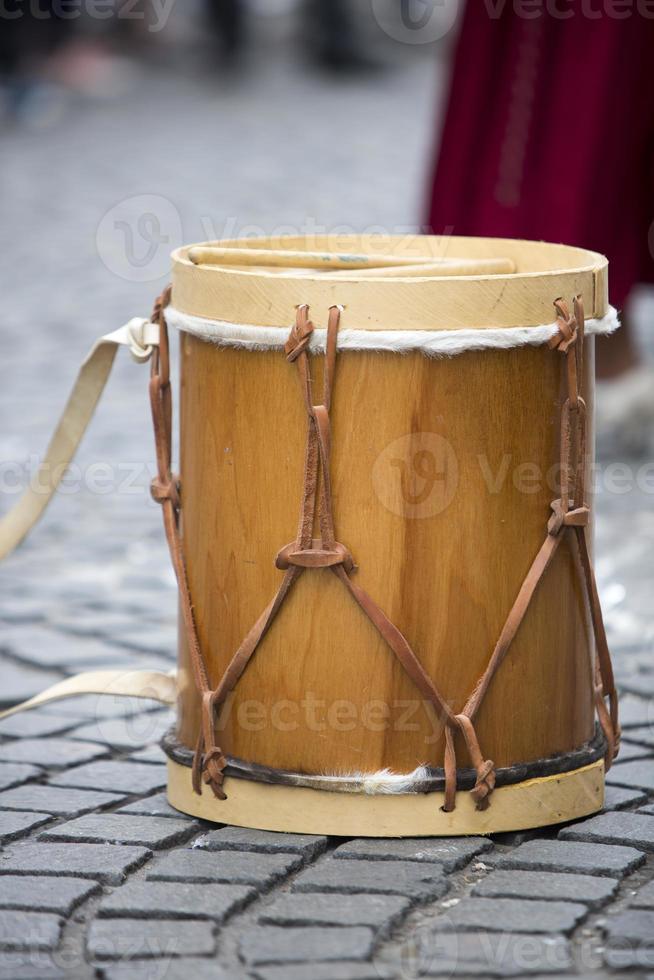 traditionelles Schlaginstrument aus Holz aus Argentinien foto