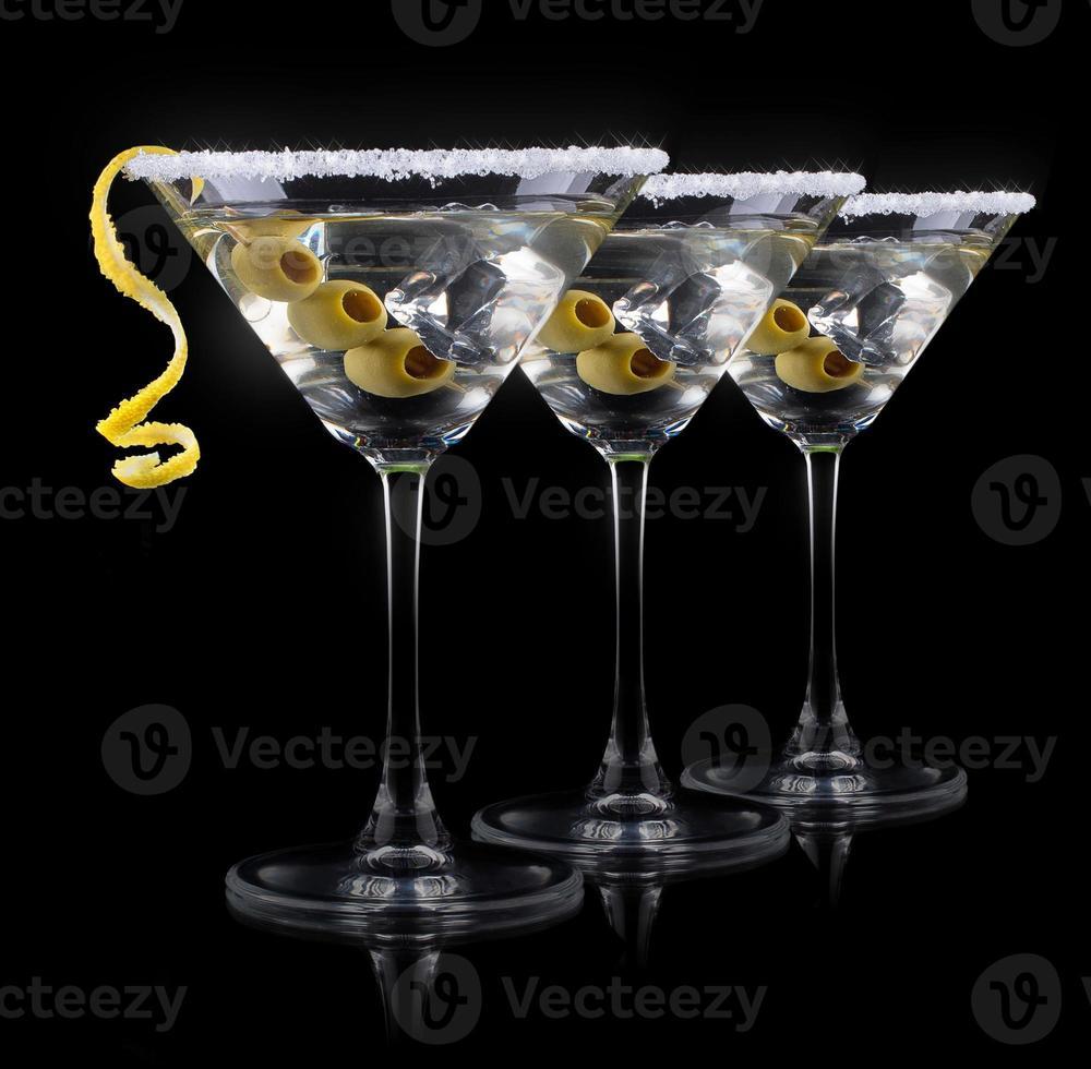 Cocktail Martini auf einem schwarzen foto