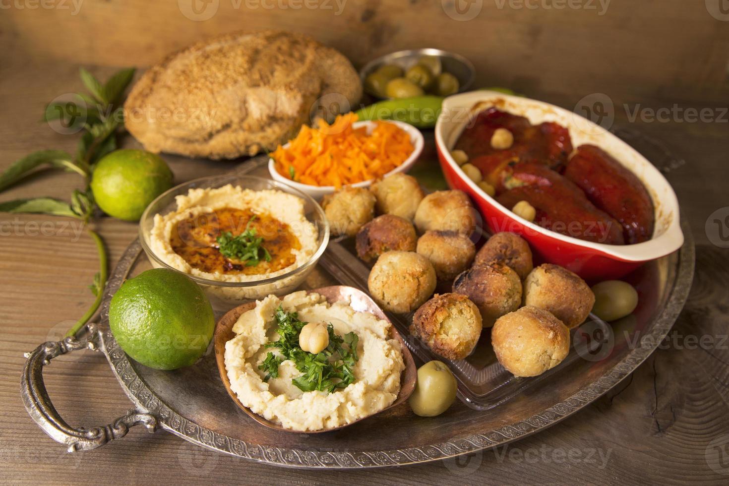 Hummus und Falafel foto