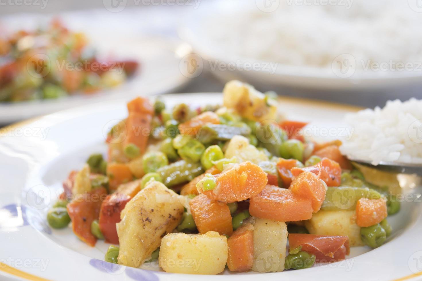Basmatireis und Gemüse foto