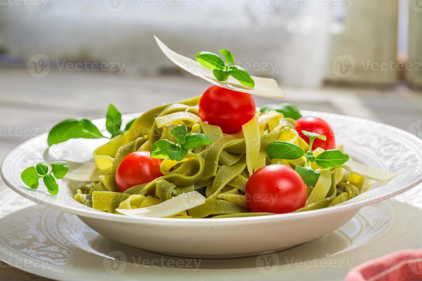 leckere Tagliatelle mit Parmesan foto