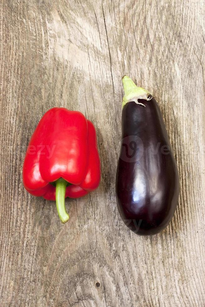 Auberginen und Paprika foto
