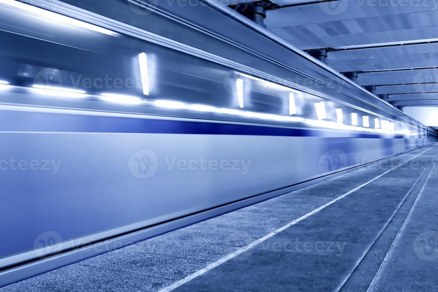 fahrender Zug foto