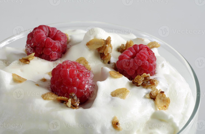 Dessert mit Himbeeren. foto