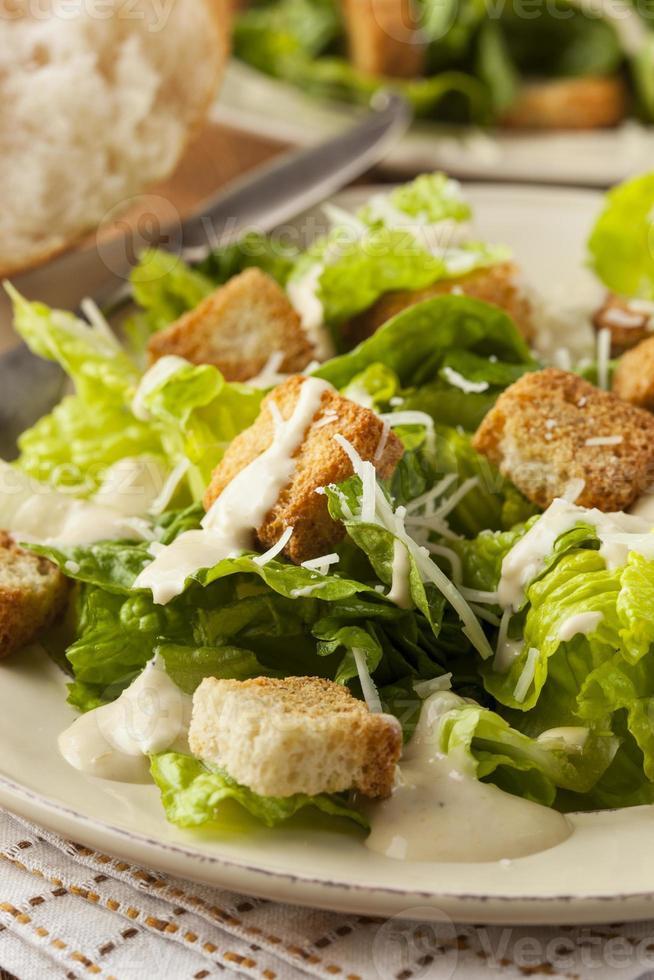 gesunder grüner Bio-Caesar-Salat foto