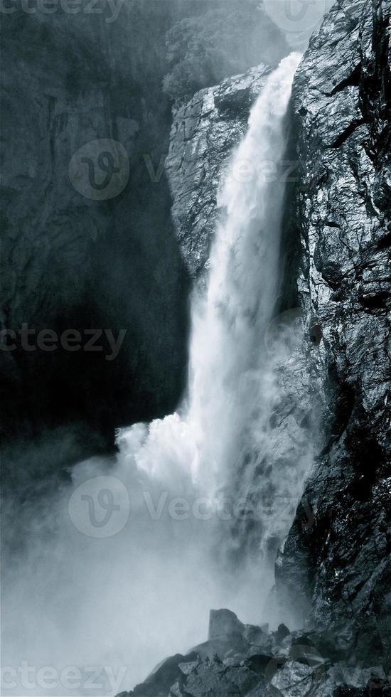 Urrauch und Fels foto