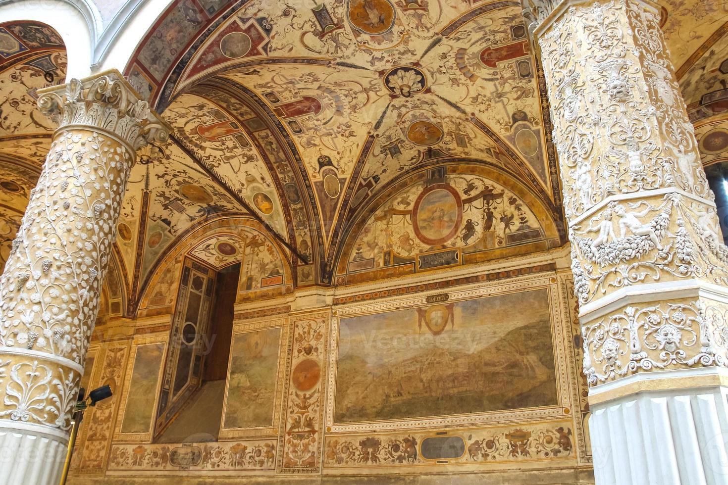 Fresken schmücken den Innenhof Palazzo Vecchio. Florenz foto