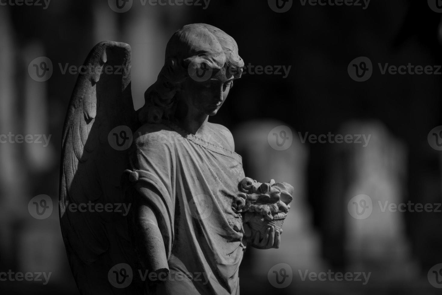 Engelsstatue auf dem Friedhof foto
