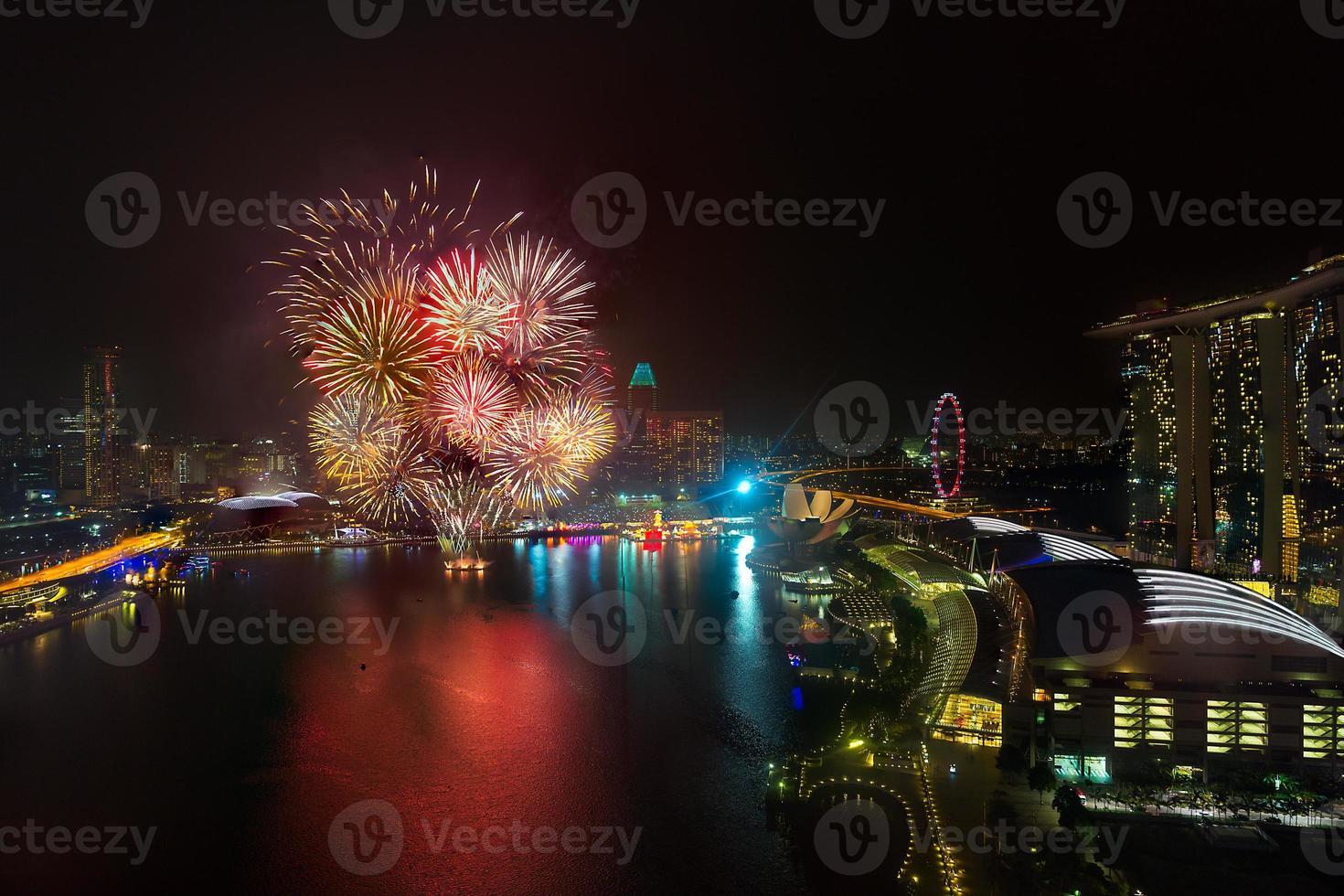 Feuerwerk für das neue Jahr in Singapur foto