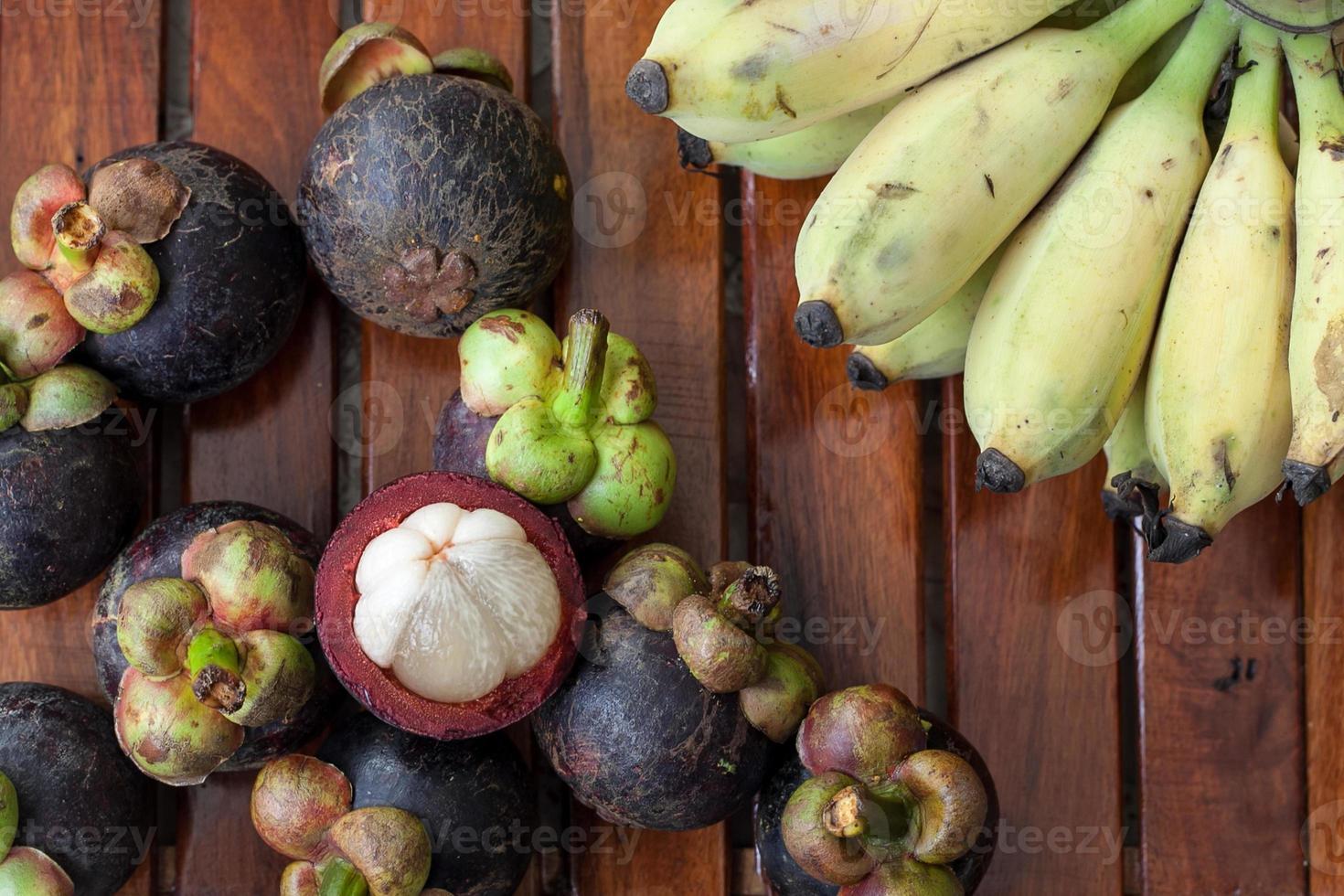 Mangostan und Banane foto