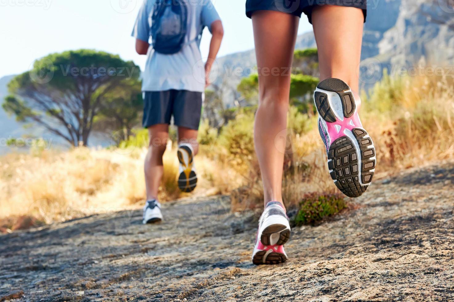 Füße laufen im Freien foto