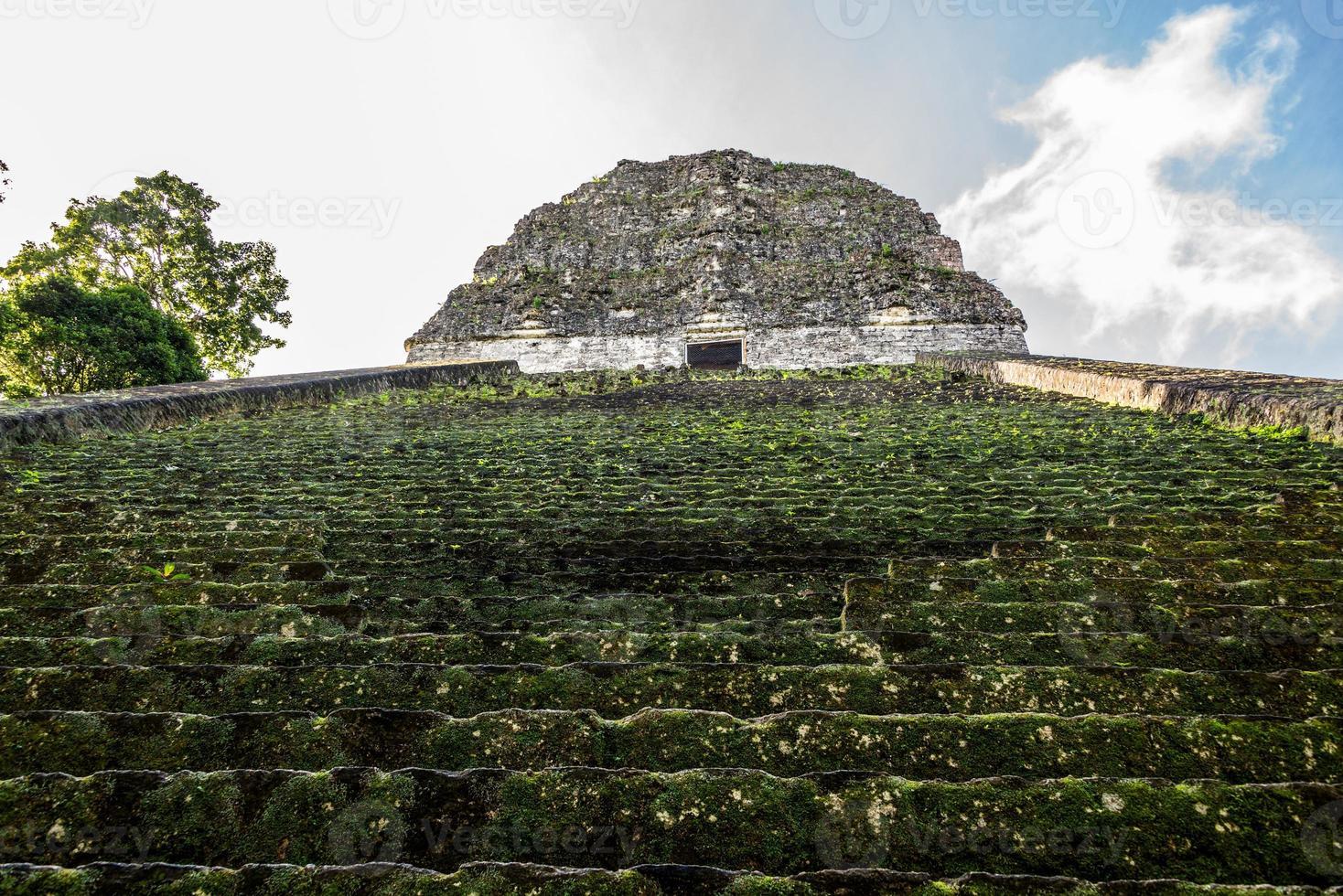 Maya-Ruinen am Tikal, Nationalpark. reisendes Guatemala. foto