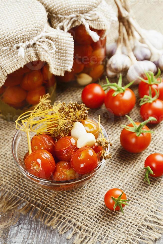 Tomaten aus der Dose foto