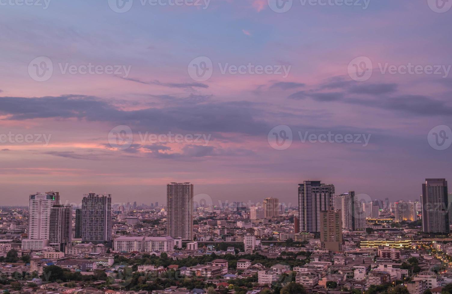 Bangkok Stadt am Abend foto