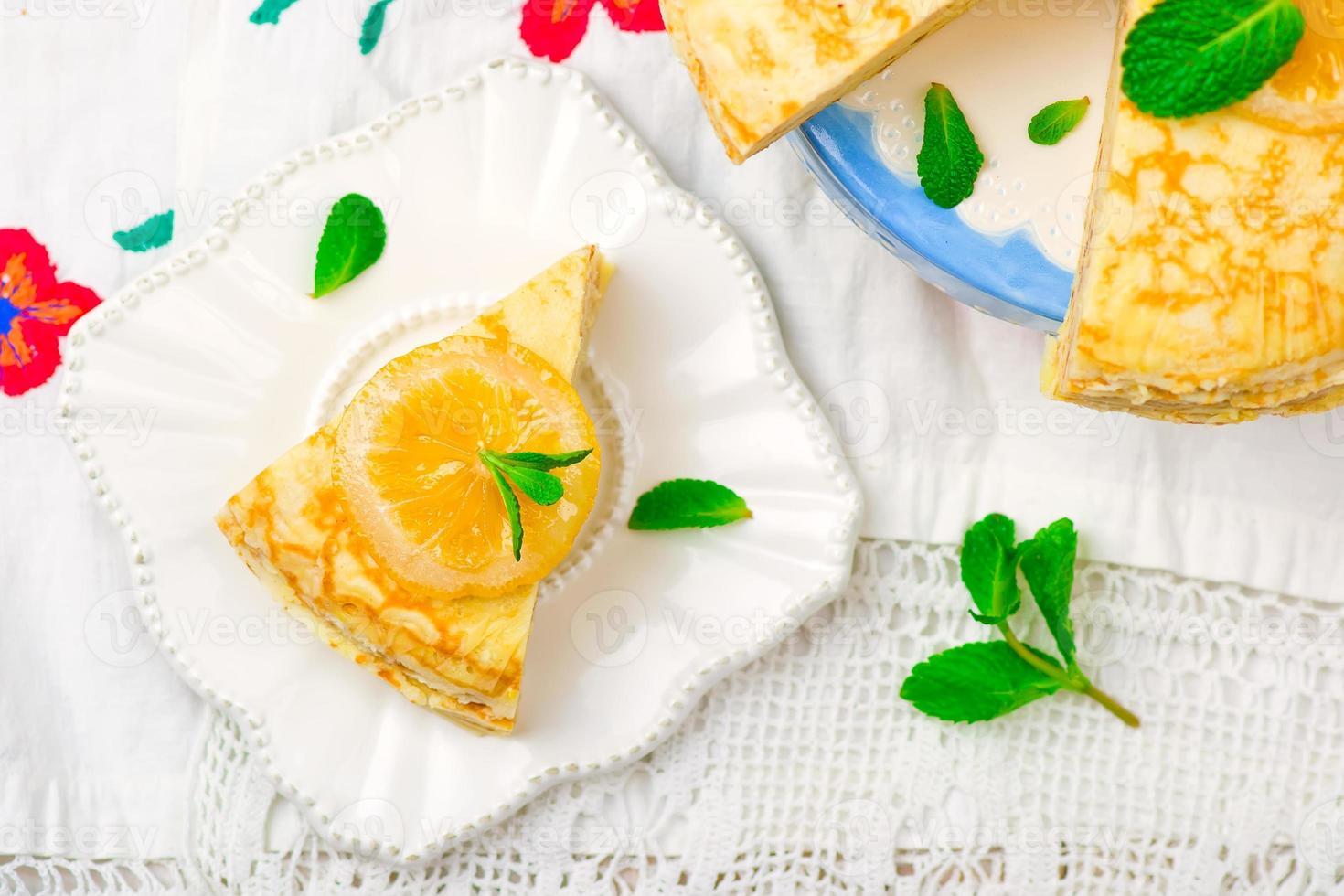 Blinis Pie mit dem Zitronenquark. foto