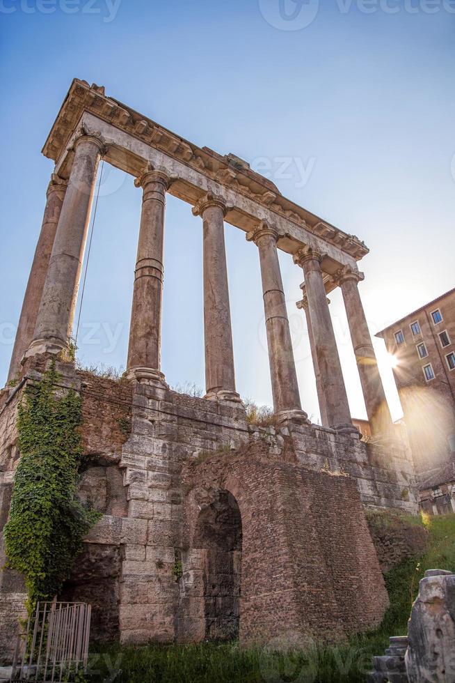 berühmte römische Ruinen in Rom, Hauptstadt von Italien foto