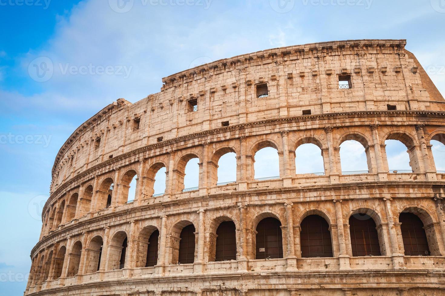 Äußeres des alten Kolosseums oder Kolosseums foto