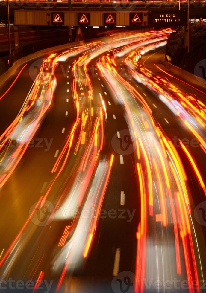 Ayalon Verkehr in der Nacht foto