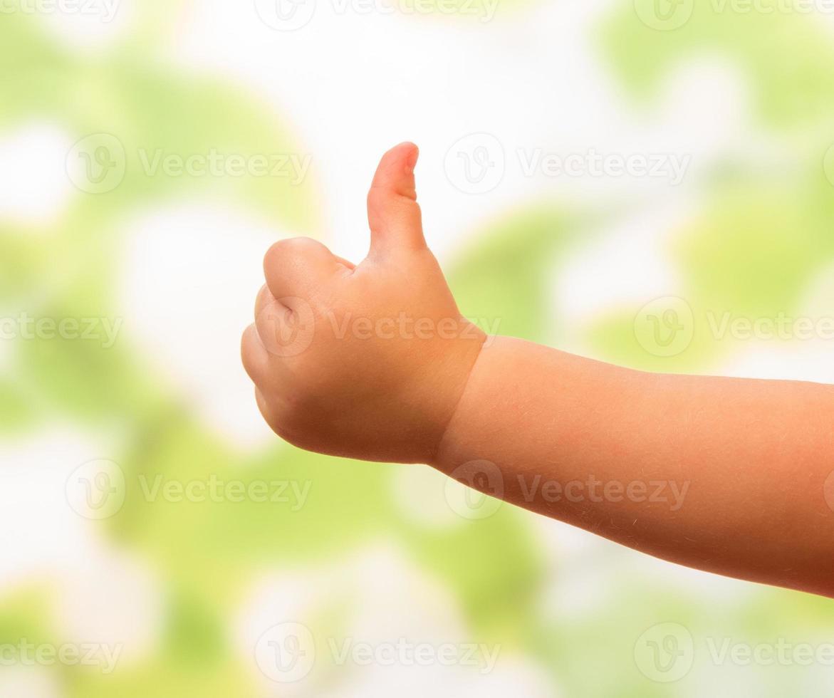 Kinderhand zeigt ok foto
