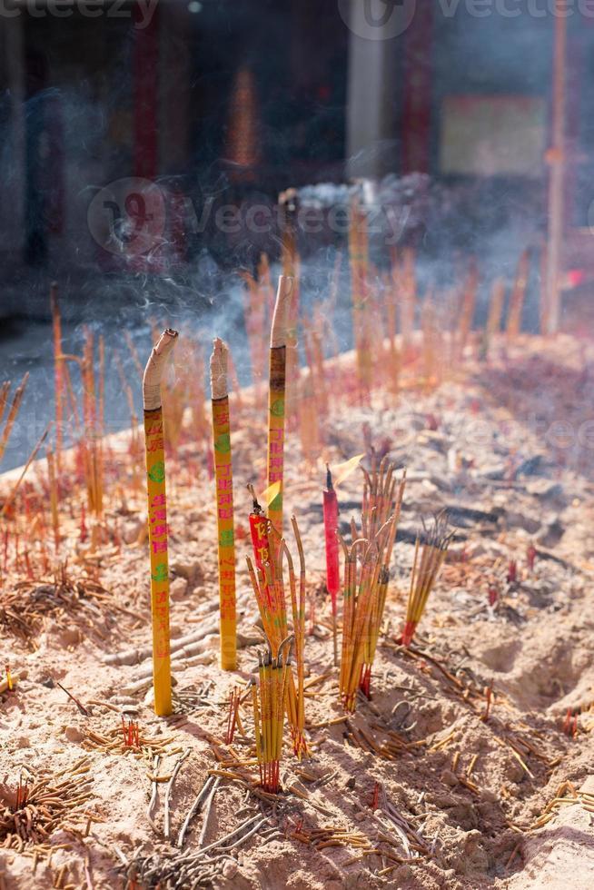 brennender chinesischer Weihrauch foto