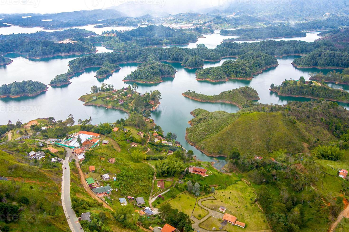 Luftaufnahme von Guatape in Antioquia, Kolumbien foto