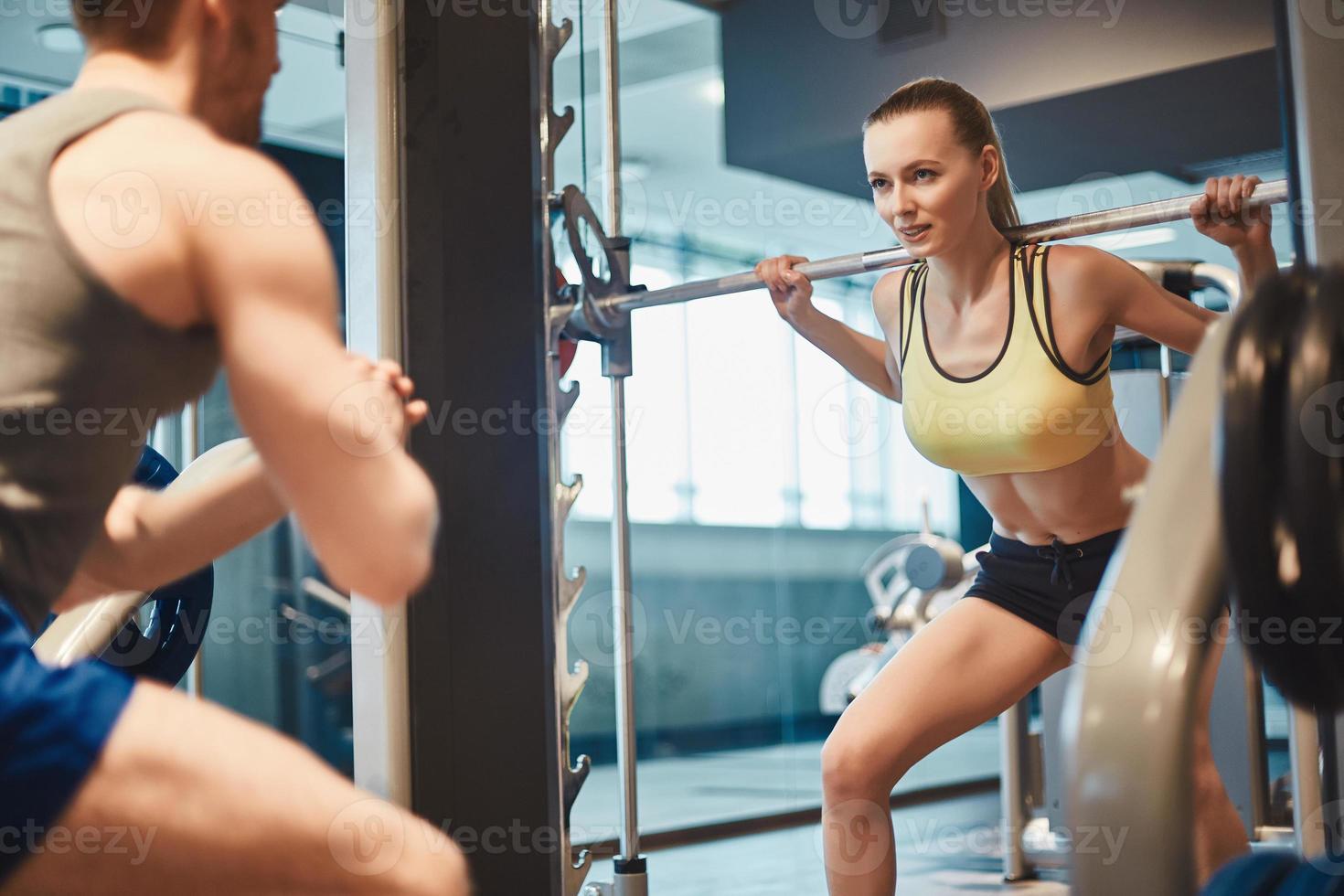 weibliches Gewichtheben foto