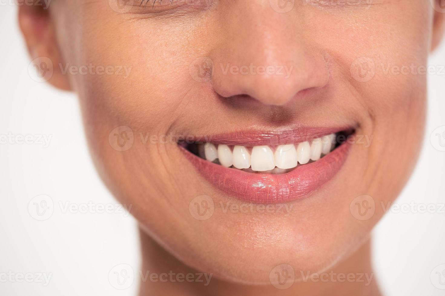 lächelndes weibliches Gesicht foto